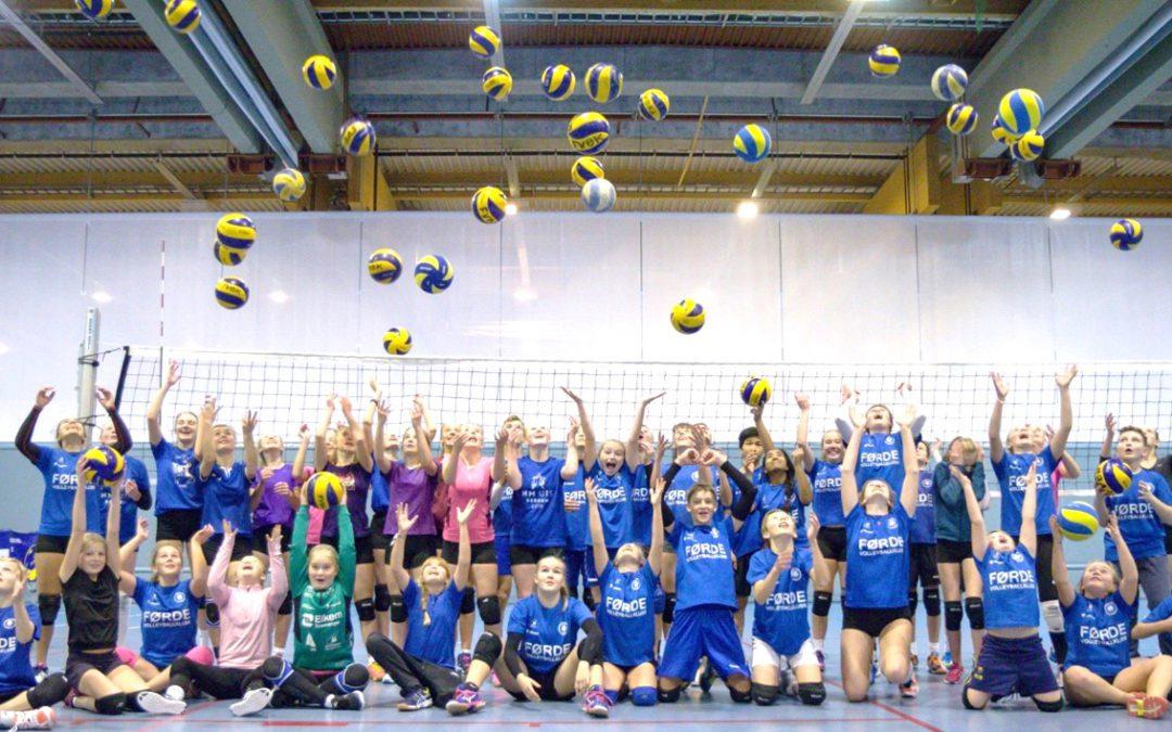 Bli med på volleyballskule i haustferien!